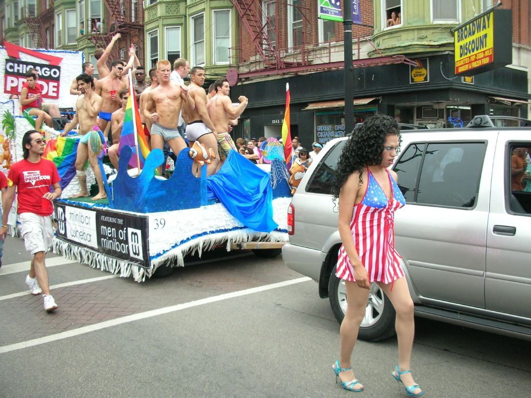 chicago_pride_float_2862401203429